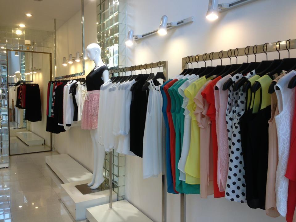 Giá kệ shop thời trang vinamax