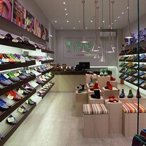 Tư vấn thiết kế nội thất shop giầy dép thu hút khách